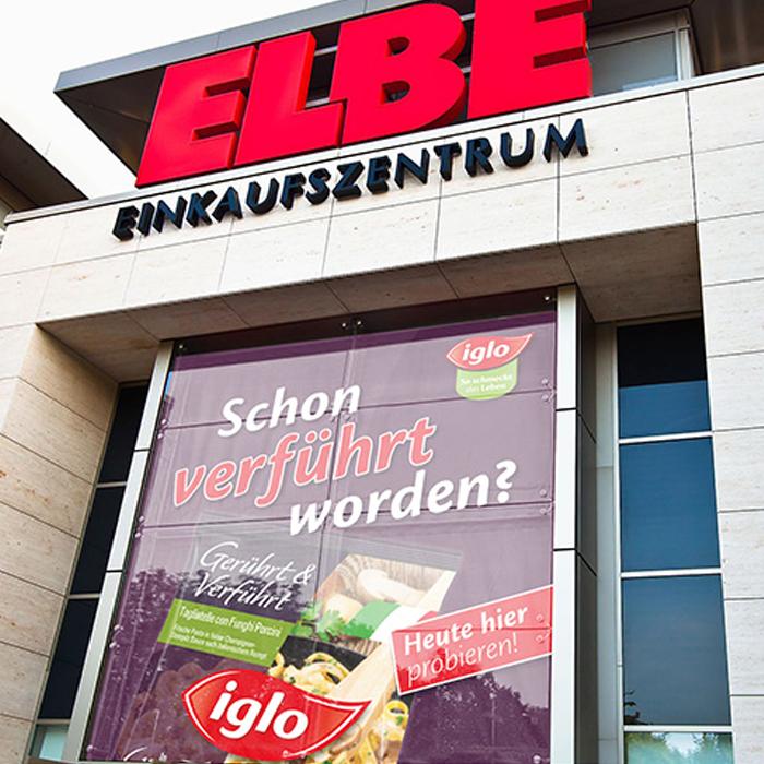 Elbe Einkaufszentrum mit iglo Werbeplakat